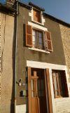 Les frais d'Agence sont inclus. Maison de 3 chambres avec jardin est au centre du village