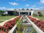 Stunning Contemporary Property with 6 Large Ensuite Bedrooms & Land