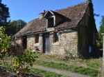 Renovation project with character, nice plot, lots of potential!