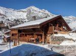 Authentique ferme savoyarde, littéralement sur les pistes de ski au Chinaillon.