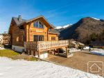 A spacious 5 bedroom chalet in perfect condition, with a large garden and breathtaking views.