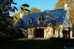 Large traditional house in beautiful wooded setting near Moëlan-sur-Mer