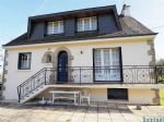 Attractive 5-bedroom house with grounds near La Chapelle Neuve