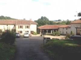 Prestige Property for sale 10 bedrooms ,94002m2 land South facing ,Pool,Very good condition