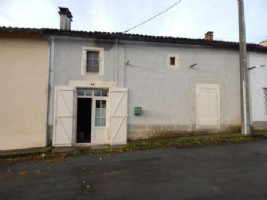 Village House for sale 1728m2 land
