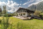 An outstanding 6 bedroom, fully refurbished chalet, with superb mountain views (801) (A)