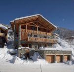 Beautiful 8 bedroom ski chalet. Panoramic views. Ste Foy Tarentaise, ski in - ski out