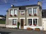 Renovated 2/3 bedroom Village house,