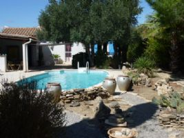 Attractive Villa with Pool & Gardens