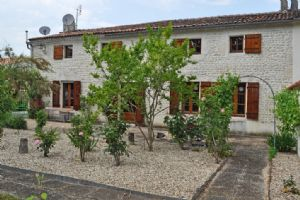 Four bedroom Country house
