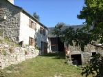 Old farm Lozérienne granite and slate roof, restored in 2011, with land of 3300 m, sports