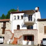 Renovated house with garden in a village!