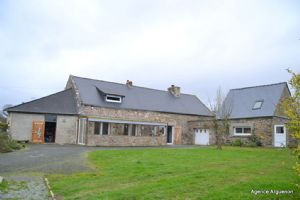 15mn from the sea and dinan: detached farmhouse with outbuilding and potential
