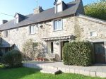 Dinan area: attractive old renovated stone house with private garden