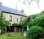 Jugon les lacs, elegant 1930's house with potential for 2 gîtes close to lake  e