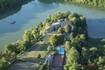 Nr Angouleme (Charente) - Superb country estate with 83 ha including a large lake