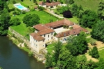 Puy L'Evêque (Lot) - Riverside château with exceptional hospitality opportunities