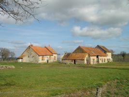 Authentic set of farm buildings with house, barn, outbuildings, 6,600m2 land (1.5 + acres)