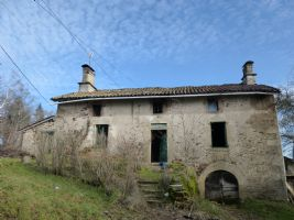 BUY A PIECE OF HISTORY ! Characterful detached farmhouse with a barn and cottage.
