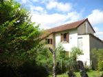 Detached house set in garden of approx 700 m² with parcels of woodland nearby