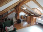Bright 3 bedrooms apartment with beams