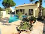 Super sunny villa with 4 bedrooms and a garden with pool!