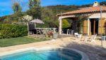 Villa dans un hameau calme avec une vue imprenable.