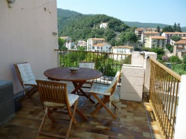*Light filled Studio apartment - large sunny terrace,views, in the centre of village