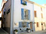 Town house, completely renovated with terrace, centre of village