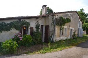 Two Houses To Renovate - Close Champagne Mouton