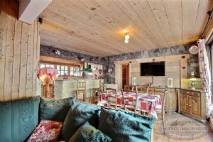 For sale three bedrooms flat in the centre of Morzine