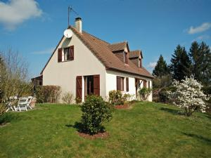 House Between City & Countryside - 30 Minutes from Deauville