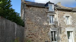 Charming Semi-Detached Property in Pleurit (South of Dinard)