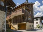 A lovely, fully-renovated 6 bedroom, 6 bathroom property in central Morzine.