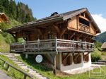 A quality 6-bedroom chalet with superb views of Les Contamines and glaciers of Domes de Miage.