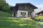 Chalet with 4 beds, 2 bathrooms and over 2000m2 of land in a quiet, forest setting.
