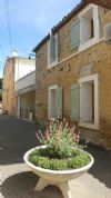 Renovated traditional vigneronne home with 190 m² of living space plus garage and terrace.