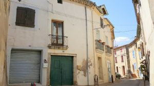 Cute fully renovated village house with 35 m² living space.