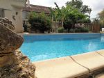 Pleasant house of 110 m² and independent cottage of 63 m² on a 2324 m² land with pool.
