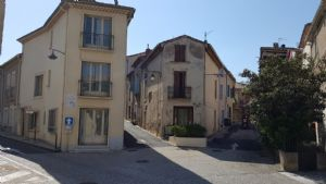 Village house with 120 m² of living space in the heart of the village just 5 min from the beach