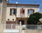 Renovated village house with 4 bedrooms, garage, courtyard and terrace.