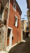 Village house with 77 m² living space in very good condition and in the heart of the village.