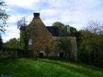 Lot : Maison de caractère en pierre 250 m² à restaurer avec priarie et bois sur 7000m²