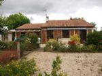 Notre ref- AI3785 Ref - AI3785 Pavillon dans un joli village  Située dans une rue calme