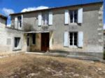 Farmhouse for sale 3 bedrooms 1143m2 land
