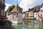 Unique 4 bedroom duplex in Annecy Old Town, large spacious living area (61646) (A)
