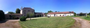 Manoir / Chateau, 14 beds, 11 bathrooms, 7 hectares, 2 swimming pools, massive barn