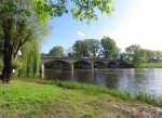 Gorgeously renovated cottage on the river with a walk to all amenities.