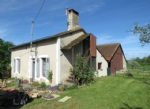 Little cottage with barn on the outskirts of Montmorillon.