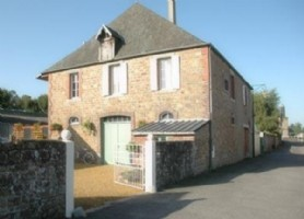 Large detached house with good rental opportunities in St Sever.